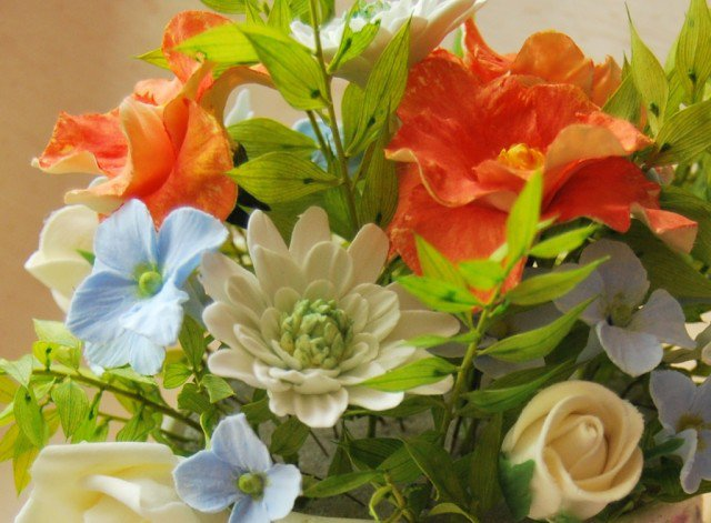 Цветочные композиции для родных и любимых мам